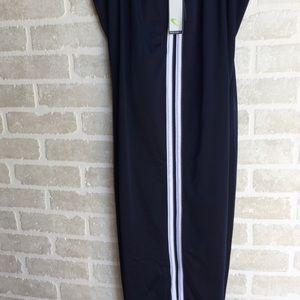 Men's NWT XL Tek Gear athletic pants.